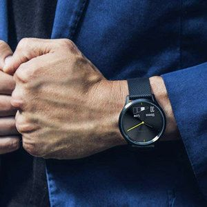 The best hybrid watches with smart functions: Analog pieces of the digital world
