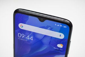 Xiaomi just patented a phone with a weird-looking inverted notch