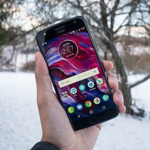 Unlocked Moto X4 available for $165 right now, gifts included, no strings attached