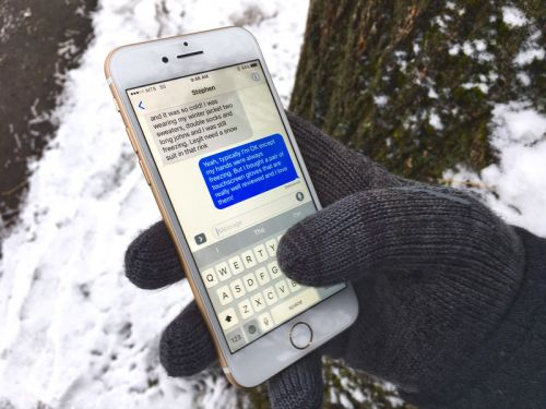 Best Touchscreen Gloves for Winter 2017
