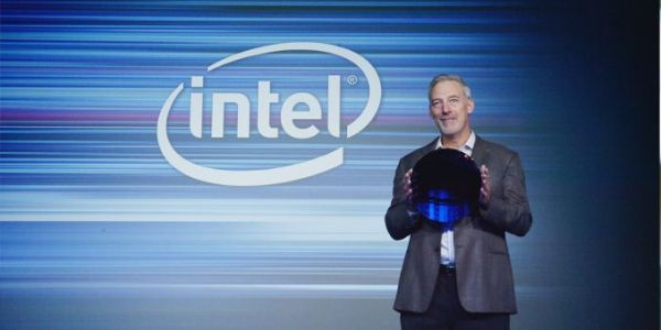 Intel Displays 10nm Wafer, Commits to 10nm 'Falcon Mesa' FPGAs