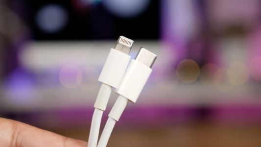Apple reduces USB-C to Lightning Cable price amid rumors 2018 iPhones dropping USB-A