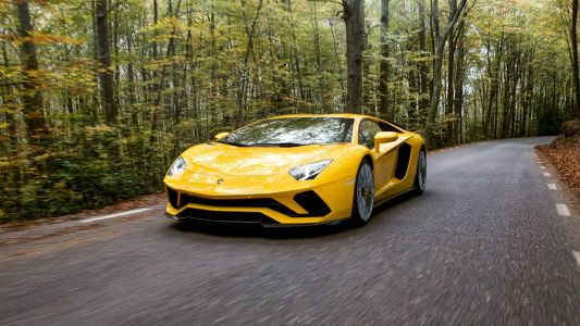 Lamborghini is bringing Android Auto to four models, including the 2018 Aventador S