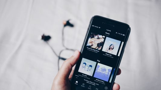 Spotify brings back its app's rewind button