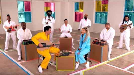 Ariana Grande, The Roots and Jimmy Fallon have formed a Nintendo Labo band