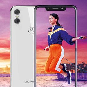 Notched Motorola One launches in the US at a questionable price