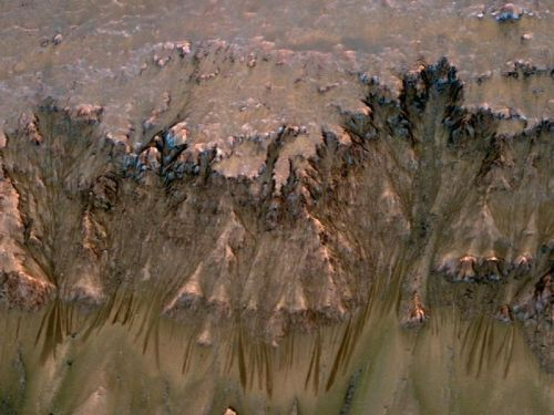Supercool brines on Mars may contain enough oxygen to support aerobic life
