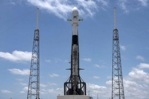 SpaceX returns its Falcon 9 to the pad for another Starlink launch attempt