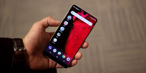 Essential has resources 'specifically committed' to fixing touch latency on the Essential Phone
