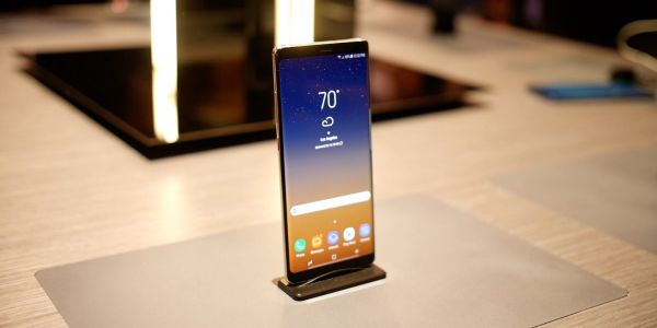 Samsung Galaxy Note 8: How to customize the software navigation buttons