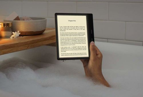 Amazon's New Kindle Oasis Has A Feature Your Phone Has Had For Years