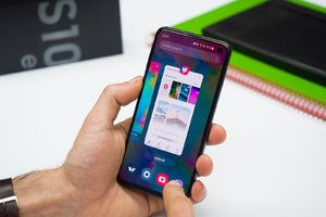 How to get iPhone gestures on the Samsung Galaxy S10