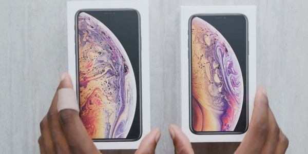Gold iPhone XS Max Unboxing Video