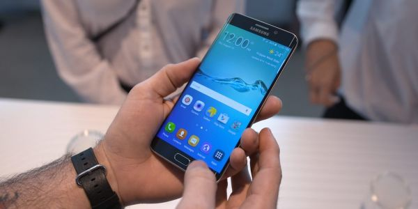 Samsung is still pushing updates to its 4-year-old Galaxy S6, S6 Edge