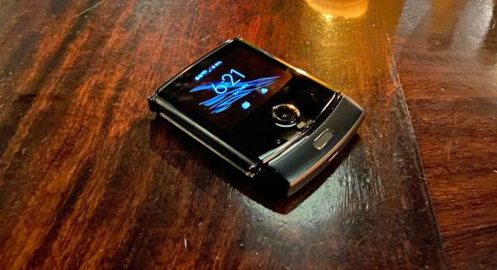 Motorola Razr 2 likely won't drop the clamshell, and the design team told us why