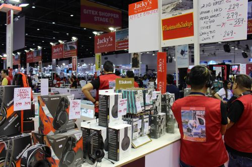 Best headphones and speaker deals and offers at GITEX Shopper 2017