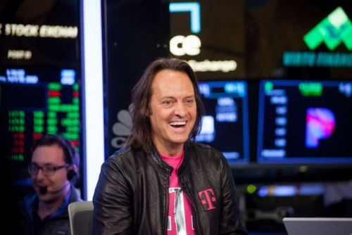 "John Legere, T-Mobile's brash ""Un-carrier"" chief, will leave in May 2020"