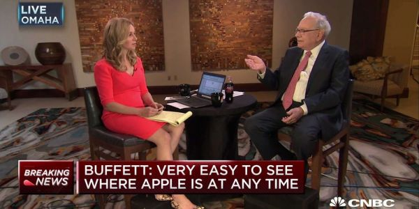 Warren Buffet's Berkshire Hathaway increases AAPL holdings, dumps over 90% of its IBM shares