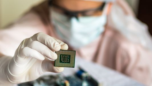 Intel CEO believes the CPU and GPU shortage crisis will last into 2023