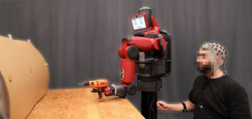 MIT develops a system that lets operators control robots with their minds