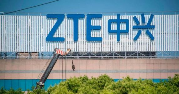 ZTE resumes trading after two-month hiatus