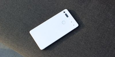 Essential Phone: Customer shipments are now starting to arrive
