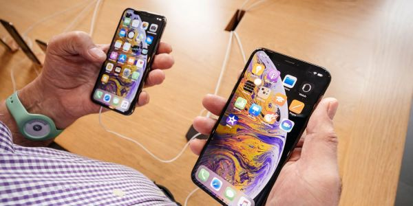 IPhone XS sales stronger than last year's lineup, but iPhone 7 remains 1, suggest analytics