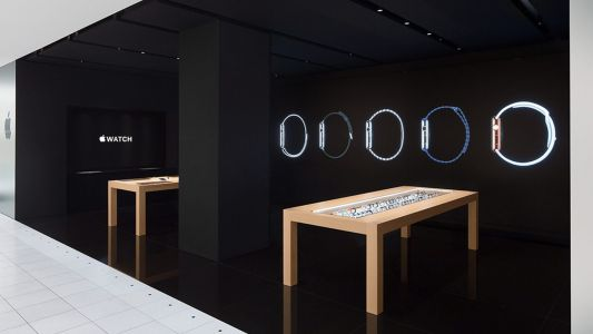 World's last Apple Watch shop at Isetan Shinjuku closing May 13th