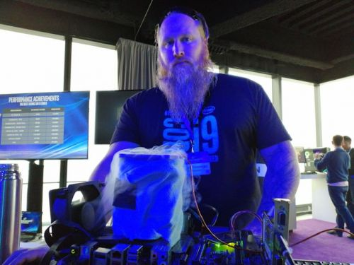 Intel's Push to Enthusiasts: Soldered CPUs and 6.9 GHz Overclocks