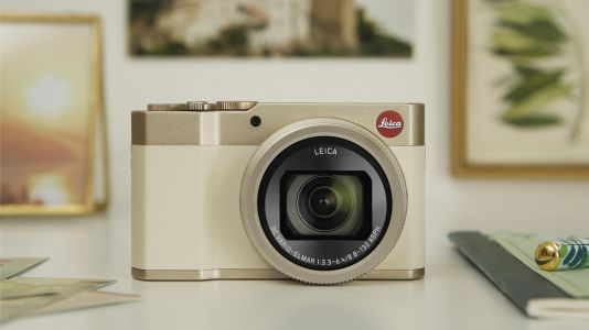 Panasonic Lumix ZS200 / TZ200 gets the Leica treatment