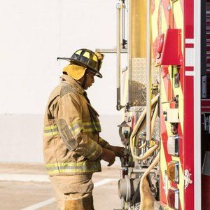 First responders can get solid discounts on their personal Verizon plans now