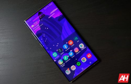 Samsung Disguises Galaxy Note 10 Hole Punch With Wallpapers