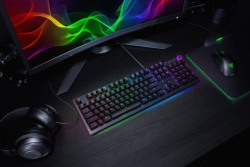Razer Unveils Huntsman Mechanical Keyboard With New Switches