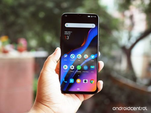 OnePlus breaks into the top five global brands in the premium category