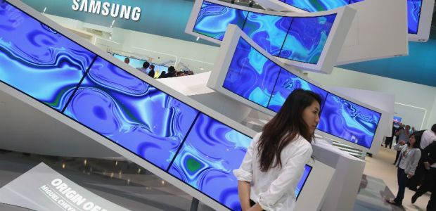 Galaxy X: Samsung's Foldable Phone Could Be Dead On Arrival Due To Rival Huawei's Foldable Device