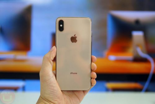 AT&T Is The First To Support The eSIM On The iPhone XR, Xs