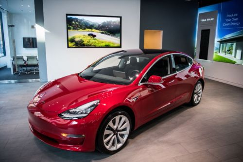 Tesla's Model 3 loses coveted Consumer Reports recommendation