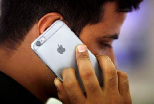 India's import tax hike on electronics could hurt Apple most