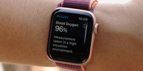 Apple Watch Series 6's blood oxygen monitor measures an important COVID-19 symptom