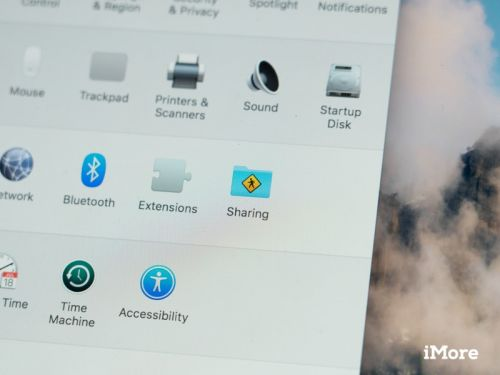 How to wirelessly share files between a Mac and PC
