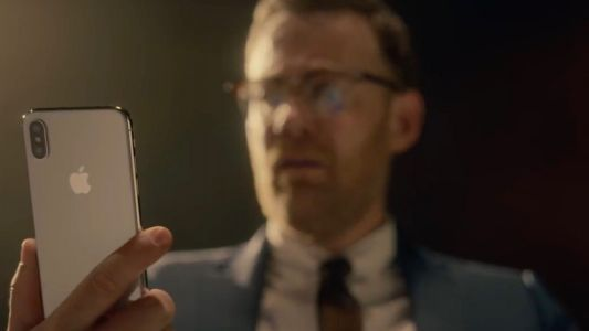 Apple shows off iPhone X w/ Face ID in humorous game show ad