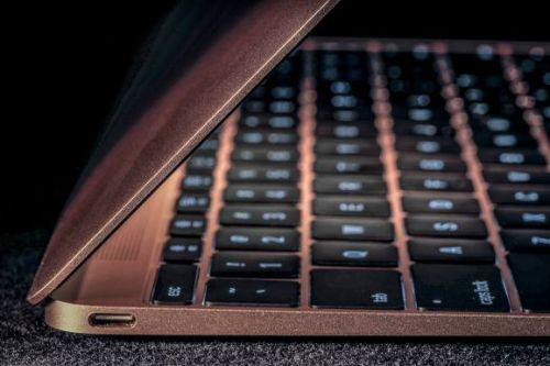 Apple reportedly redesigned basic MacBook after Intel chip issues