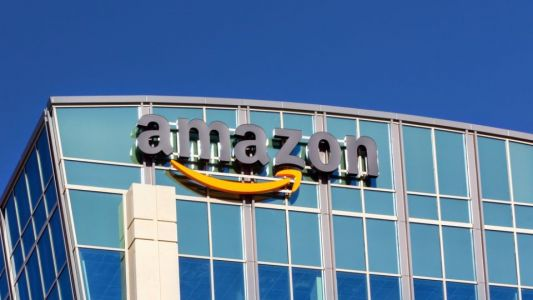 Amazon debating buying mobile provider