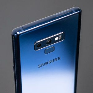 Samsung Galaxy Note 9 vs iPhone X: blind camera comparison results