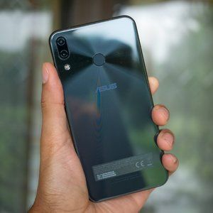 Leaked Asus ZenFone 6 prototypes hint at display holes and triple-camera setups