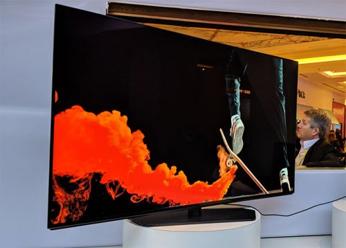 Dell at CES 2019: Alienware 55-Inch 4K 120 Hz OLED Gaming Monitor Showcased