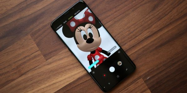 How to install Mickey and Minnie Mouse AR Emoji on the Samsung Galaxy S9