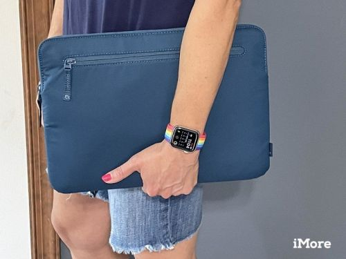 Review: Incase's Compact Sleeve w/BIONIC® is made from recycled plastic