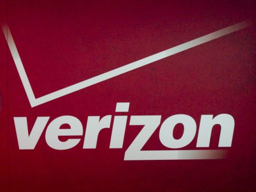 Verizon slammed for poor hurricane response as Floridians lack cell service