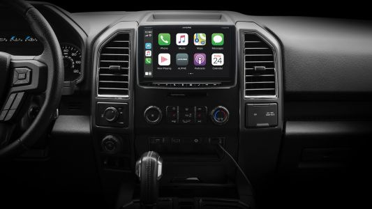 Alpine's Latest CarPlay Receiver Has a 9-Inch Display Hovering Over the Dashboard